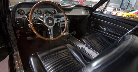 Hai un'auto d'epoca e vuoi restaurarla?